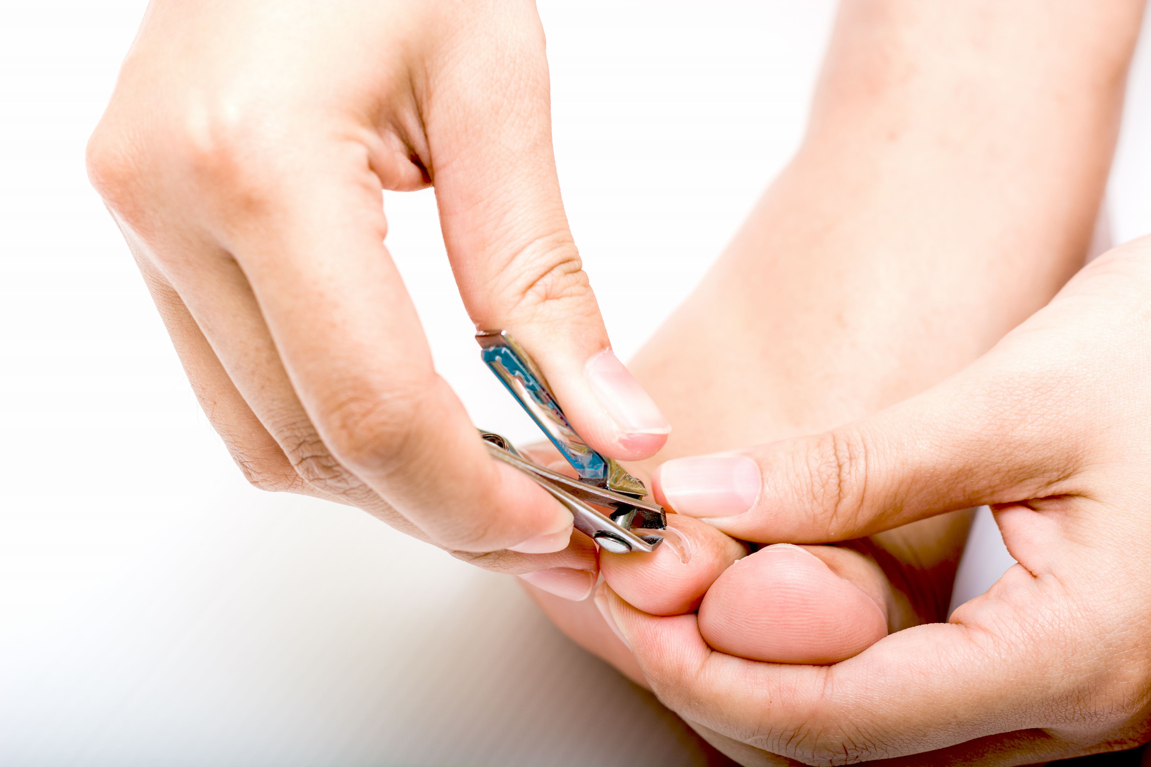 How To Cut A V Shape In A Toenail Leaftv
