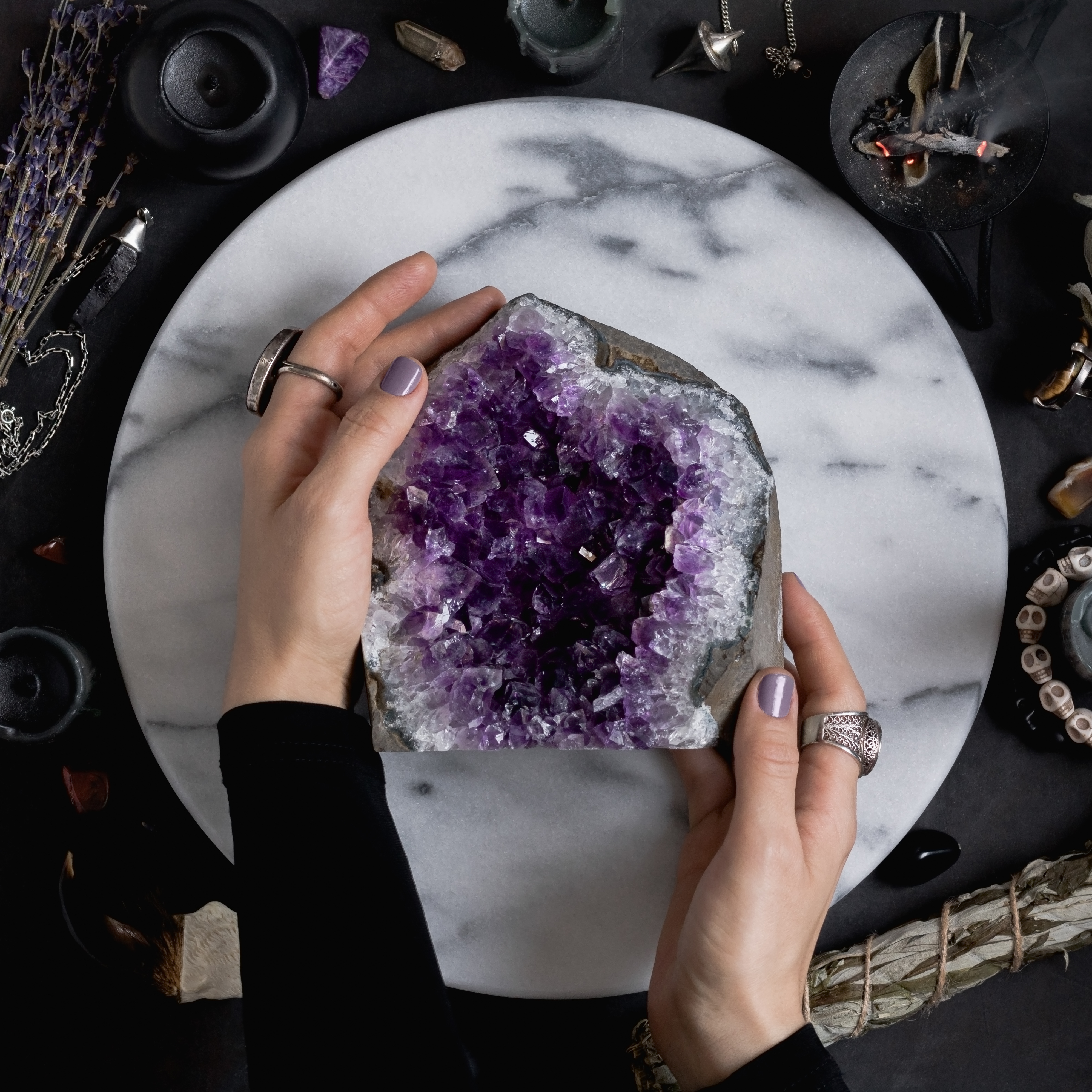 How Are Amethyst Geodes Formed?
