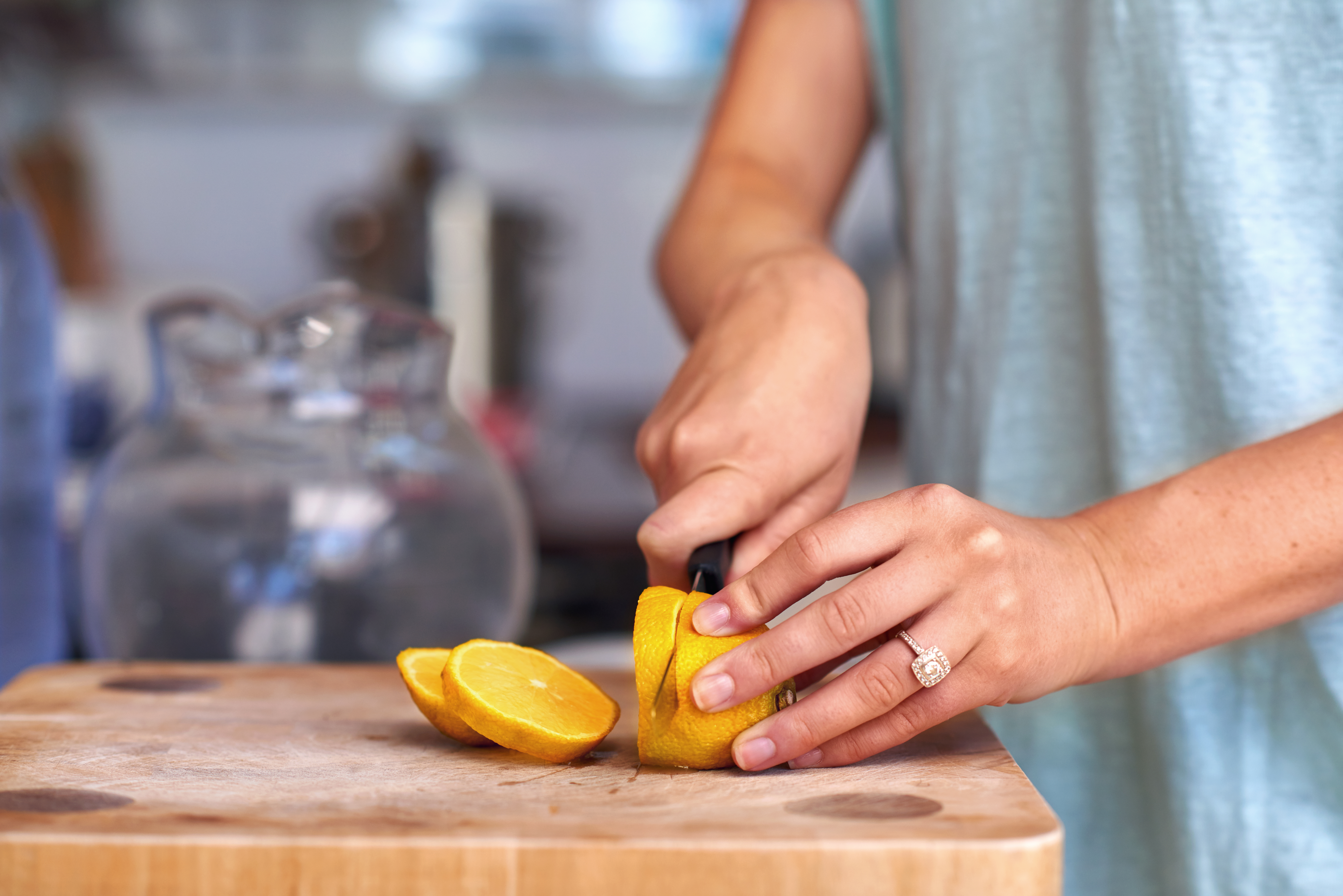 How to Remove Citrus Smell From Hands