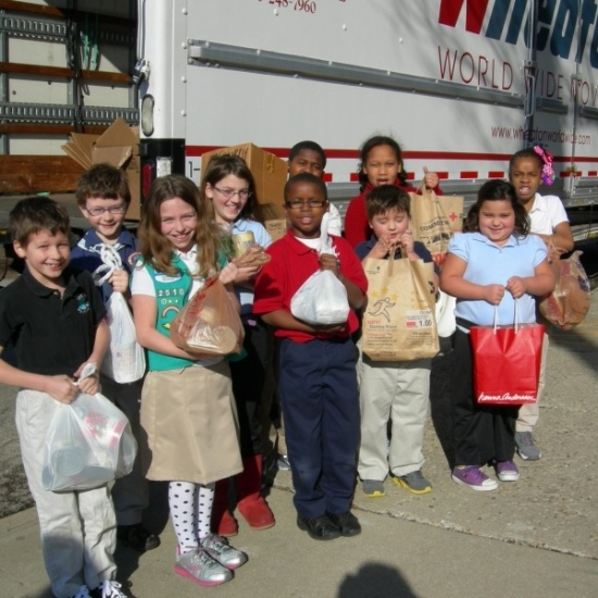Move for Hunger Intern Challenge Spring 2017 Photo