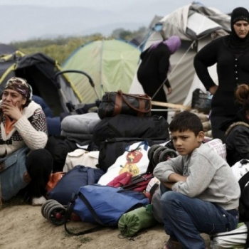 Help Syrian and Afghan Refugees in Greece