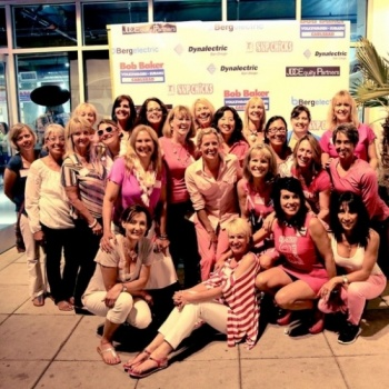 SUP Chicks Standup For the Cure Image