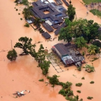 Help Support Sri Lankans Effected In The 2017 Flooding Disaster