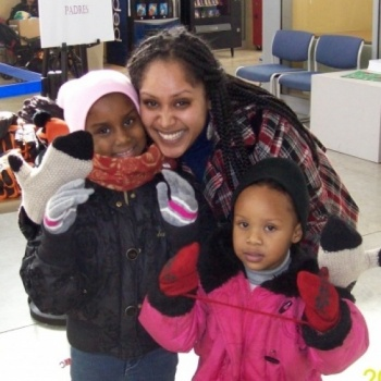 Mittens for Detroit: Lend a Hand & Help Raise 1,000 Pairs of Warm Mittens & Gloves!