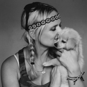 Win a trip to hang out with Miranda Lambert at an animal shelter Image