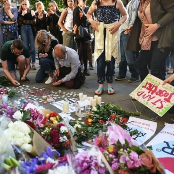 Donate for Manchester's victms families