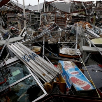 Let's put our hands together to help the victims of Hurricane Maria, the damage is HUGE