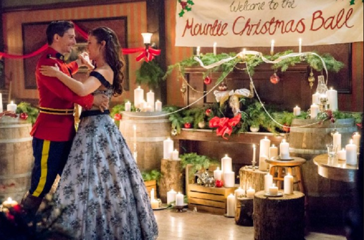 When Calls The Heart Christmas Special 2019.Hallmark Channel News Cast Revealed For When Calls The