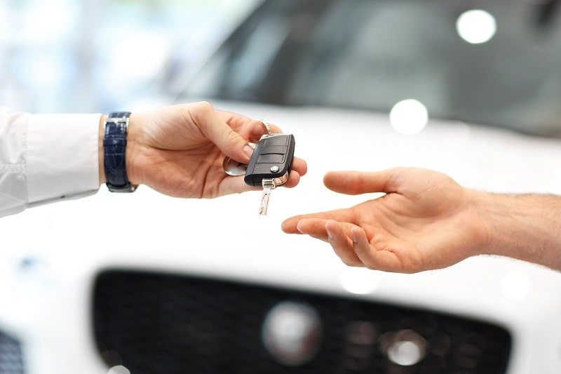 Should I Buy a New Car? Pros and Cons from a Financial Perspective