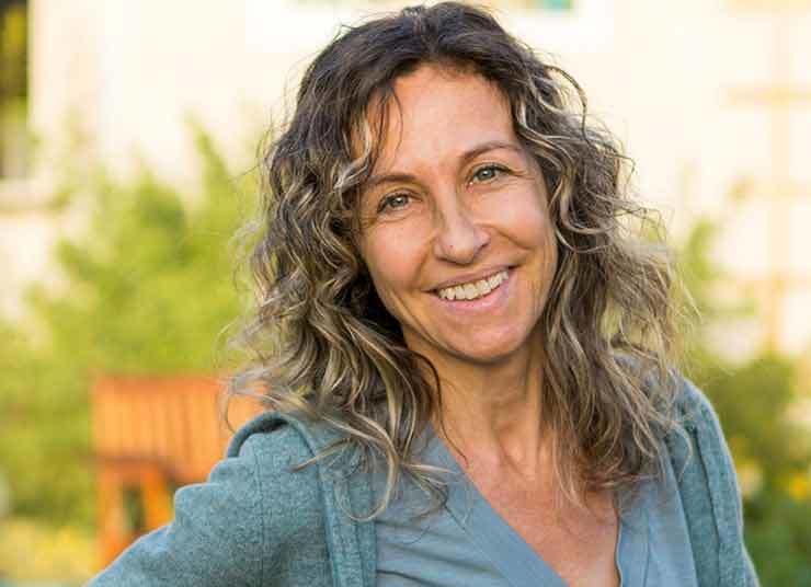 Stefanie Pruegel: Anh Hùng Địa Phương Thumb