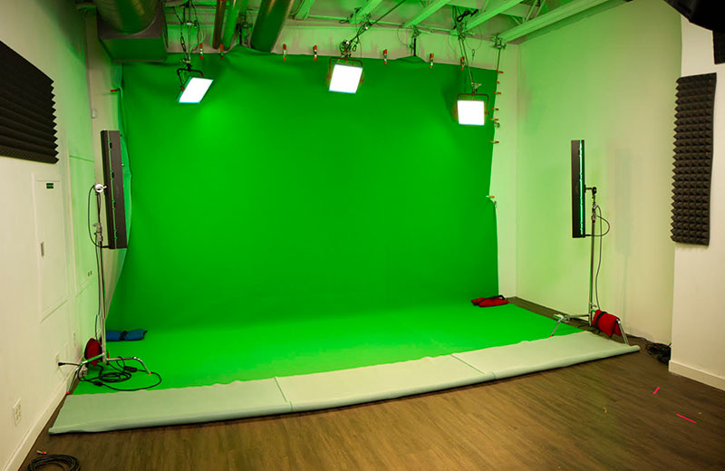 Virtual Set and Practical Set Options - MediaOne Studios