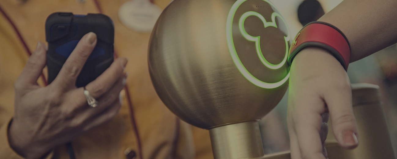 Disney-Magicband-Feature