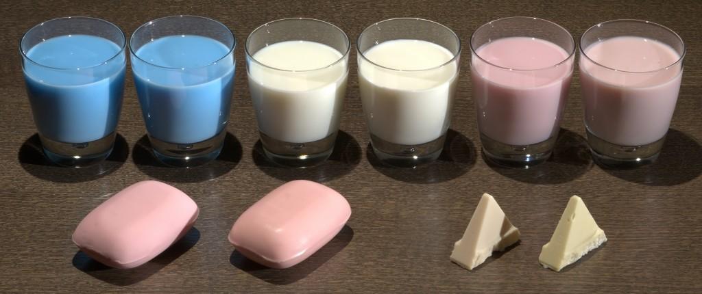 Fabricating Translucent Materials Using Continuous Pigment Mixtures-Image