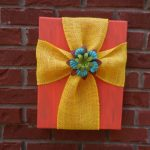 Simple Do-it-yourself Burlap and Canvas Cross