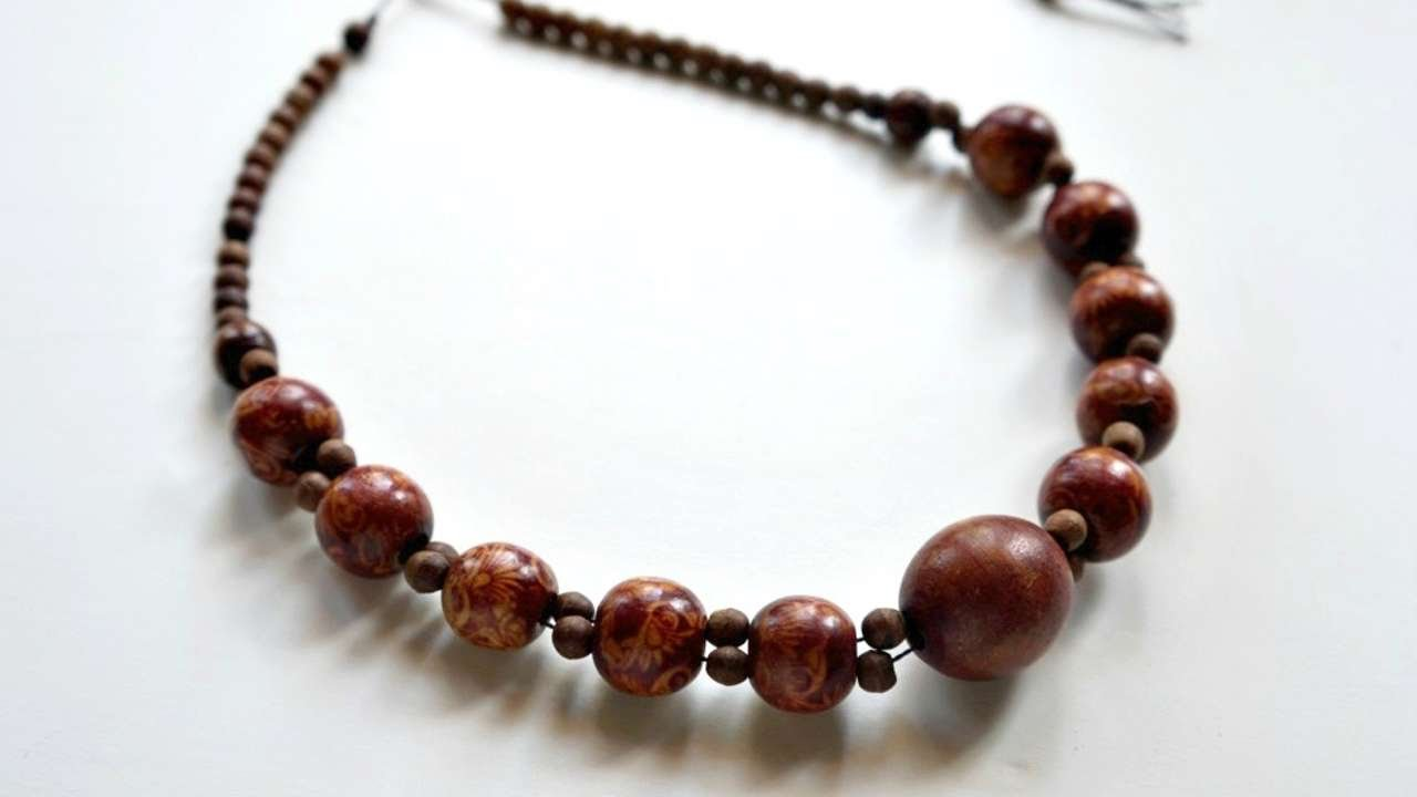 How To Produce A Really Wooden Beaded Necklace – Do-it-yourself Crafts Tutorial – Guidecentral