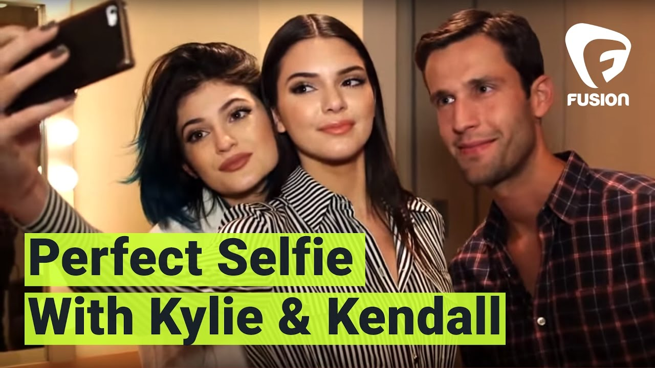 Kylie and Kendall Jenner Teach The Perfect Selfie