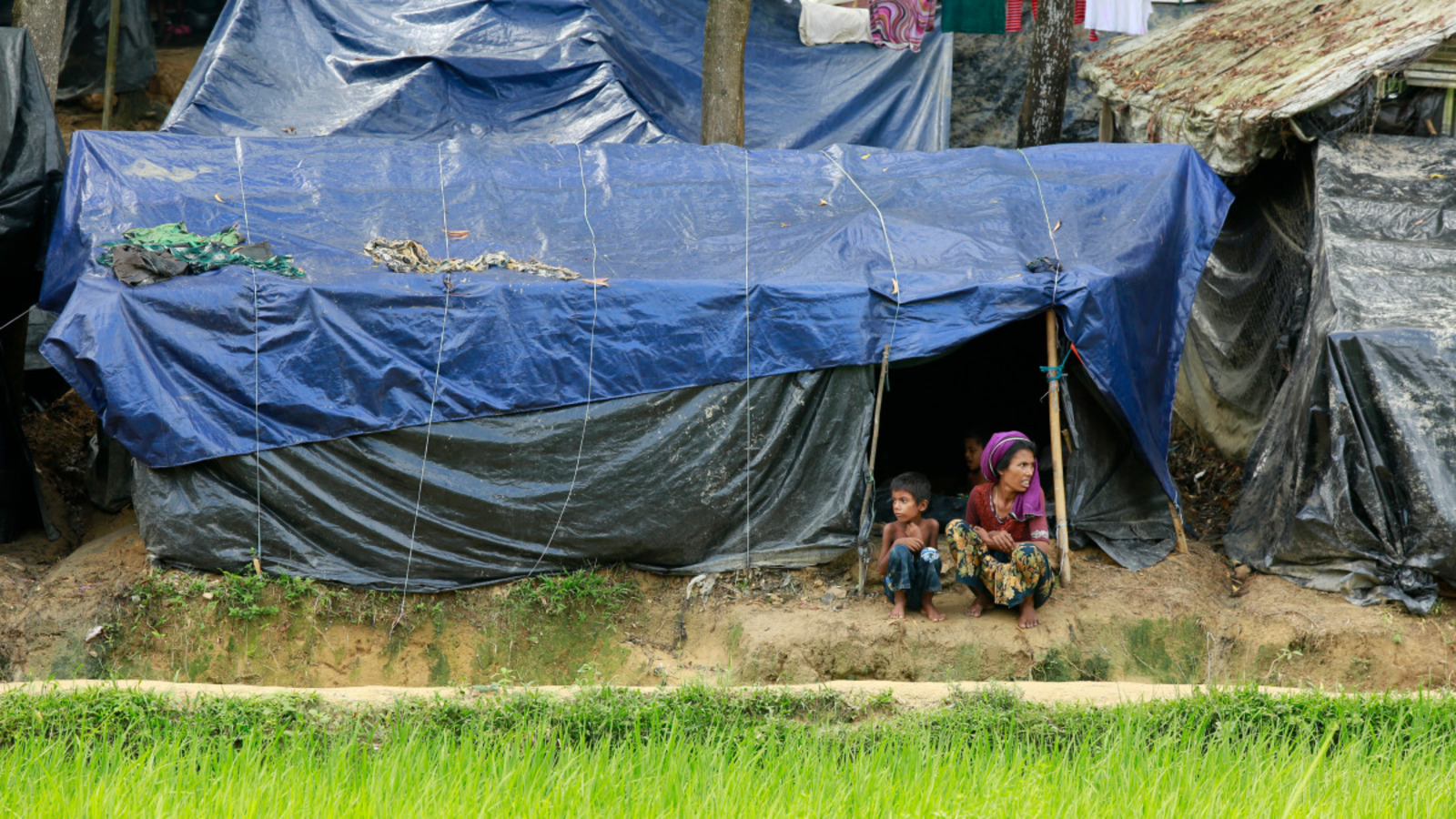 Crise des réfugiés Rohingyas. Handicap International intervient auprès des plus vulnérables dans tout le district de Cox Bazar, frontalier du Myanmar, dans la ville de Cox Bazar et son hôpital, ainsi que dans les deux camps de réfugiés gérés par le HCR où nous avons depuis de nombreuses années deux centres de réadaptation. Depuis fin août, nous intervenons également dans les camps improvisés de réfugiés