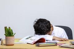 تعب المذاكرة المدرسية