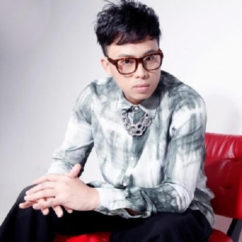 Fei E 飞蛾 Moths Lyrics 歌詞 With Pinyin By Jin Run Ji 金润吉 A RUN