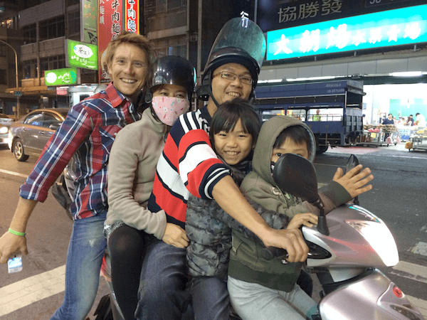 5 people 1 scooter in Taiwan