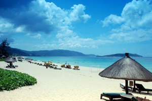 A beach in Yalongbay