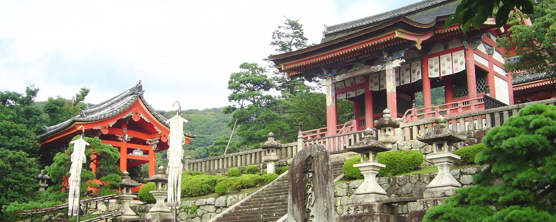 Japan-Kyoto-KiyoMizuDera-entrance