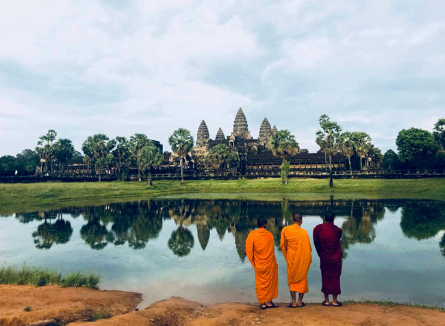 monk-at-angkor-wat