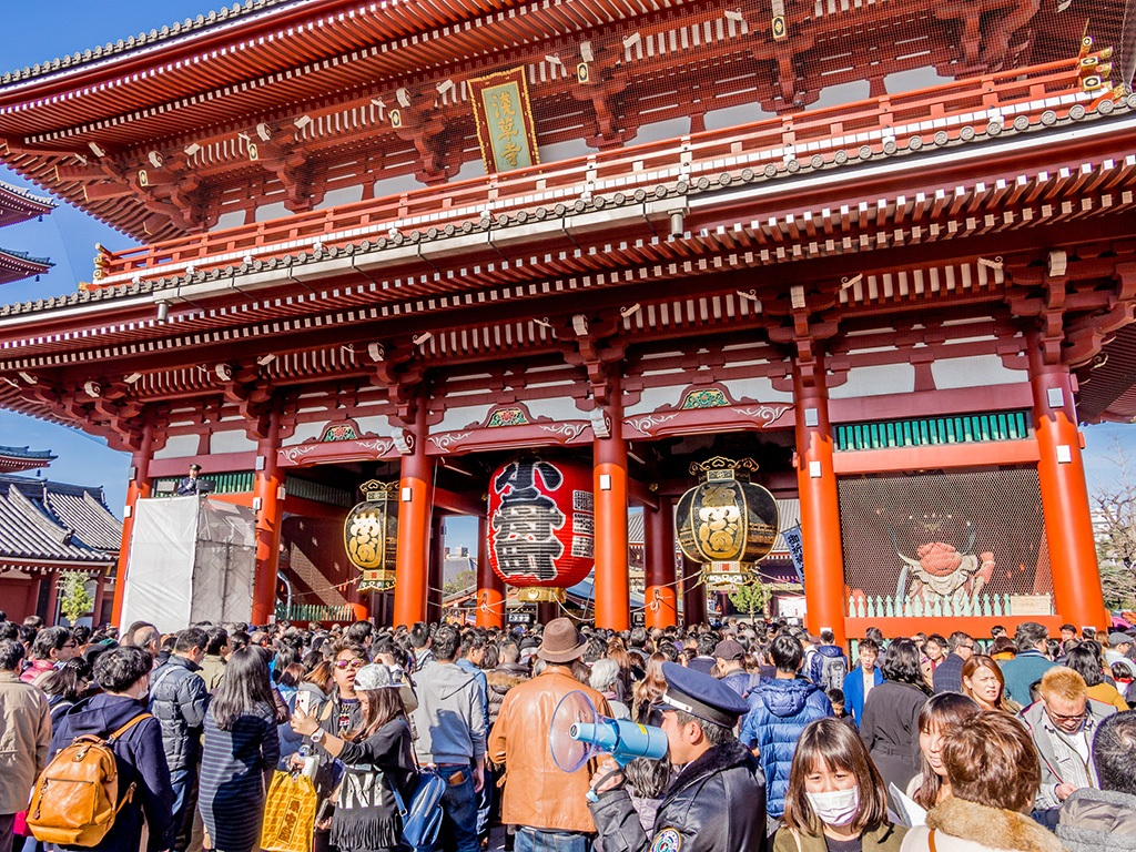 People go to visit shrines to wish for prosperity, safety, and good health