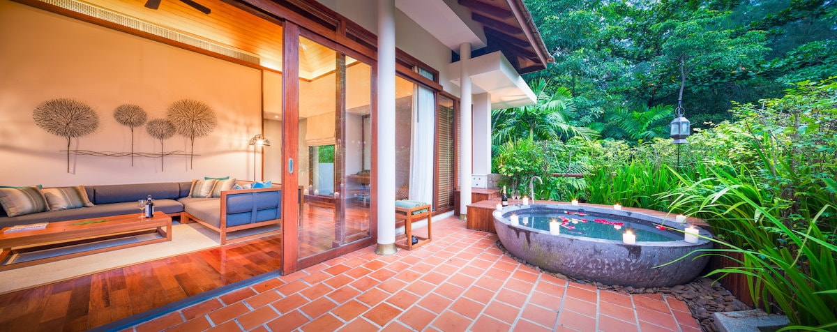 The Sarojin offers a romantic getaway for couples