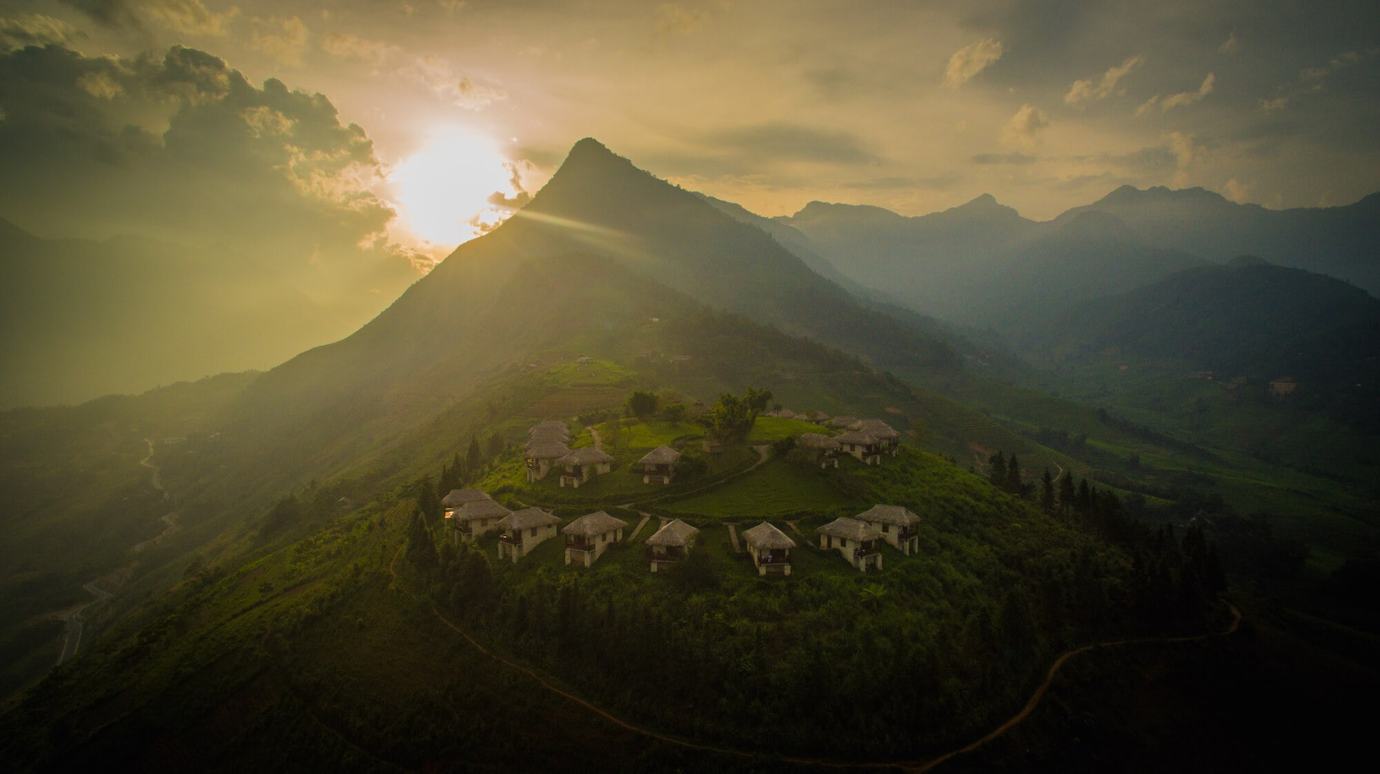 Topas Ecolodge places on a Sapa's hilltop