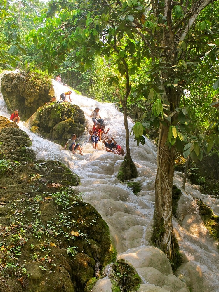 It's a great idea to make a day trip to Bua Thong waterfall