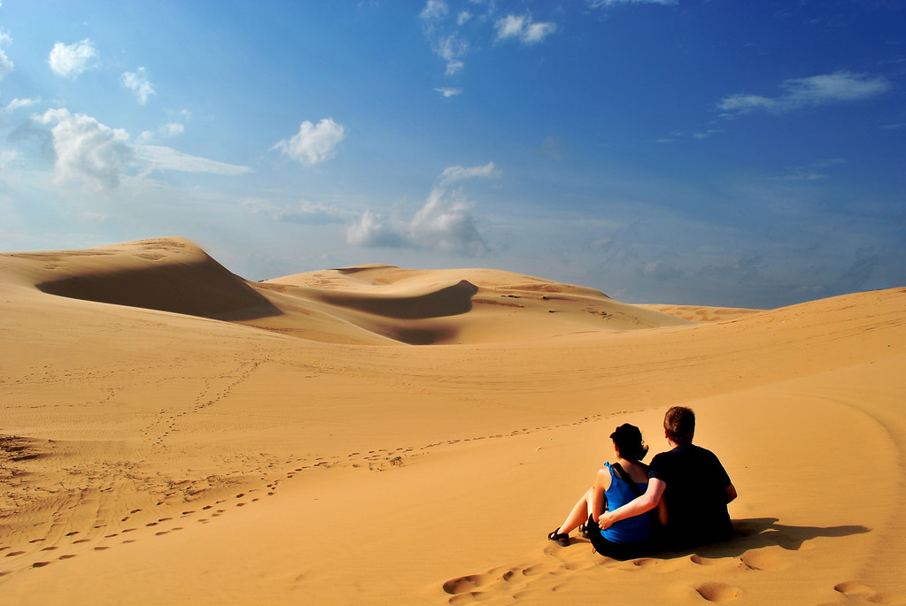 The Red Sand Dunes constitutes the mystical part of Mui Ne - Source: Tourbooking.com.vn