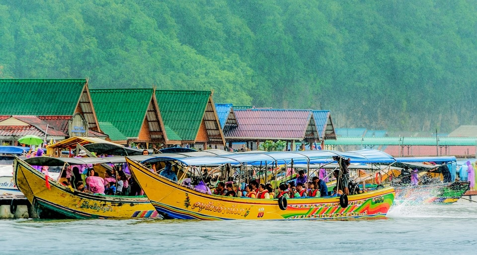 The best way to get to Koh Panyee is from Surakul pier on a boat. The journey takes about 20 minutes.