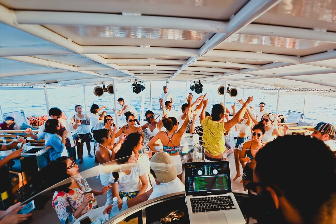 Party time on Hype Cruise