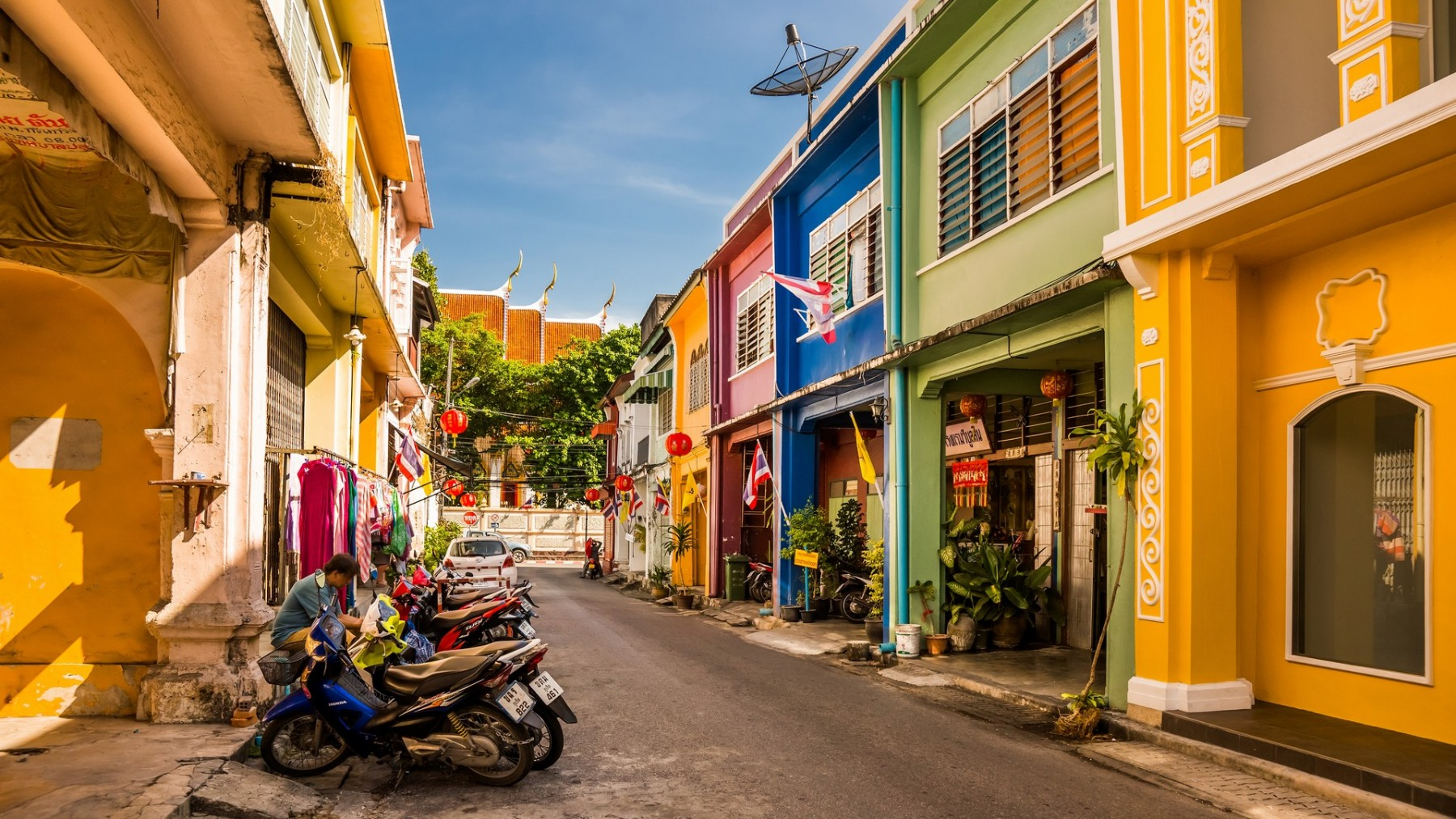Discover the history of Phuket at colourful Old Town
