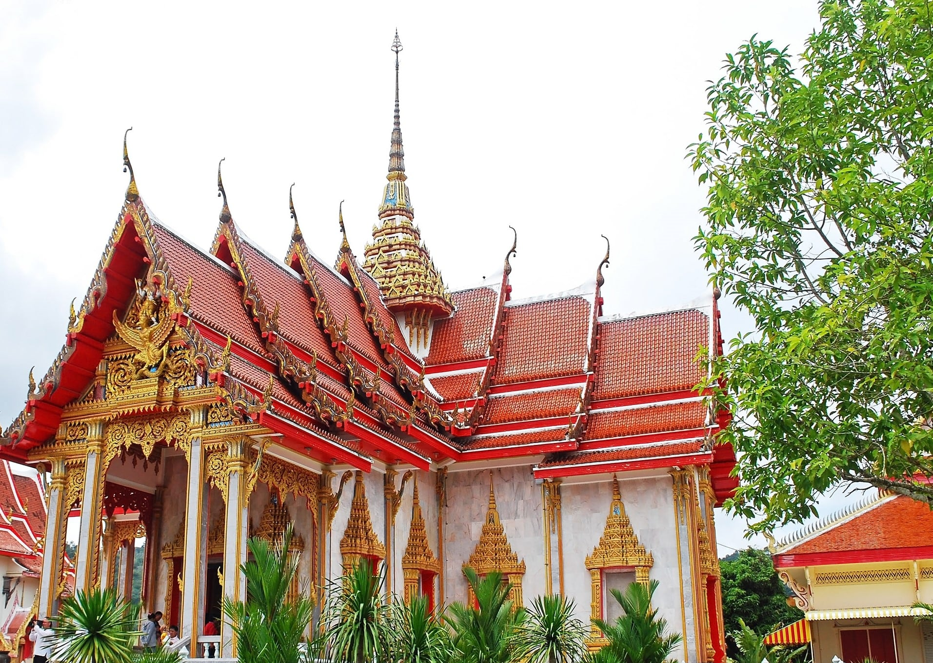 Wat Chalong is home to a fragment of bone of Lord Buddha
