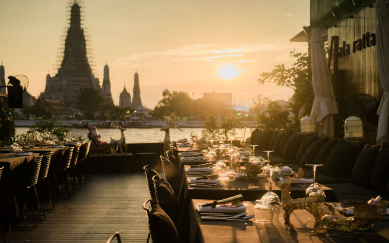 Nothing more romantic than having dinner with your darling spouse while enjoying the iconic sunset