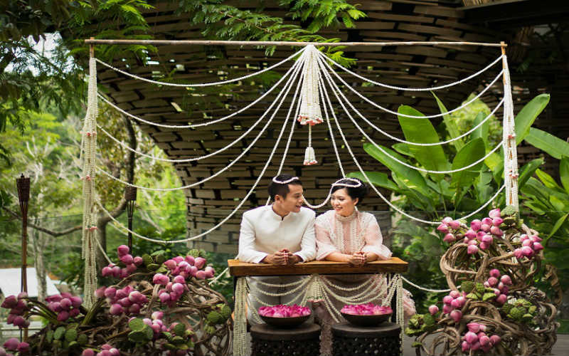 Commemorate your wedding anniversary