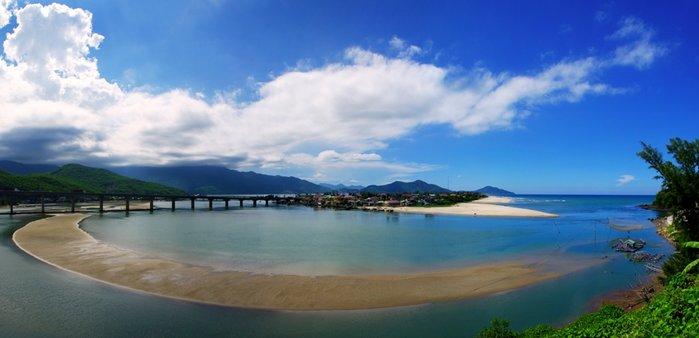 top_10_beaches_in_Vietnam_lang_co