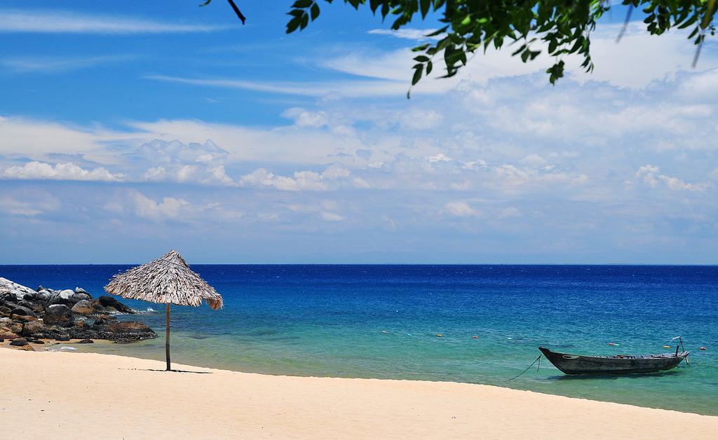 top_10_beaches_in_vietnam_an_bang_hoi_an