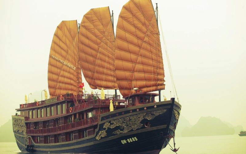 Indochina-Sails-Premium-Panorama-Cruise