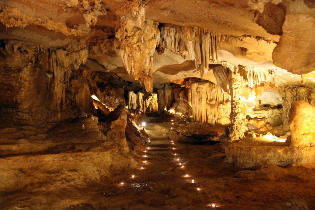 /thien_canh_son_cave_ha_long_bay