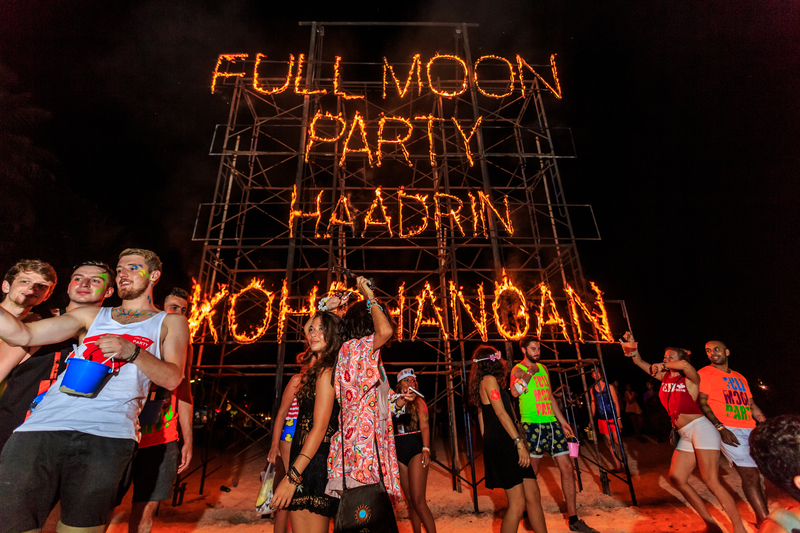 Phangan_beach_Full_moon_party_Koh_Phangan_Thailand
