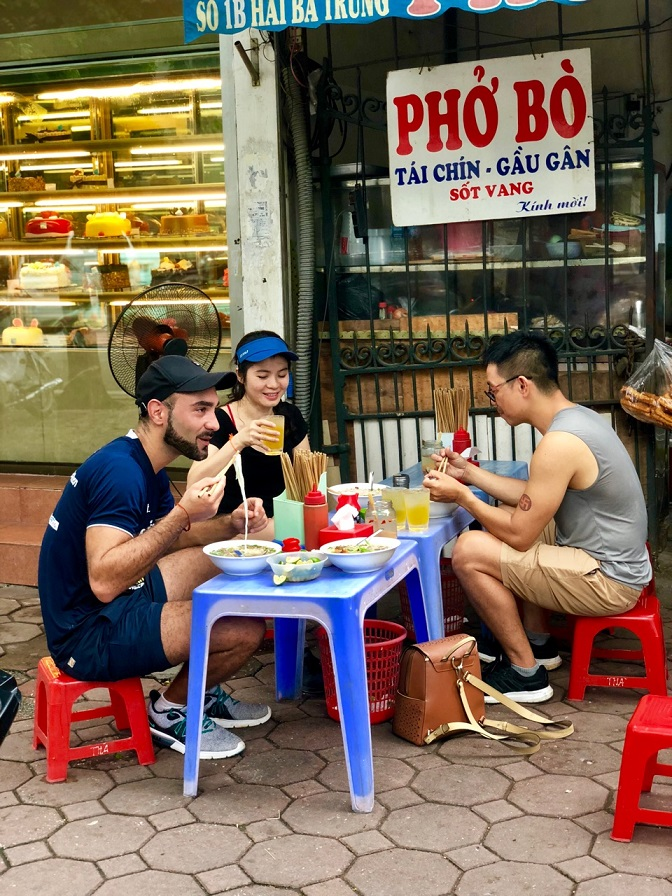 Pho is a popular breakfast in Vietnam. Most of the visitors think it is a must-eat dish when they visit this beautiful country