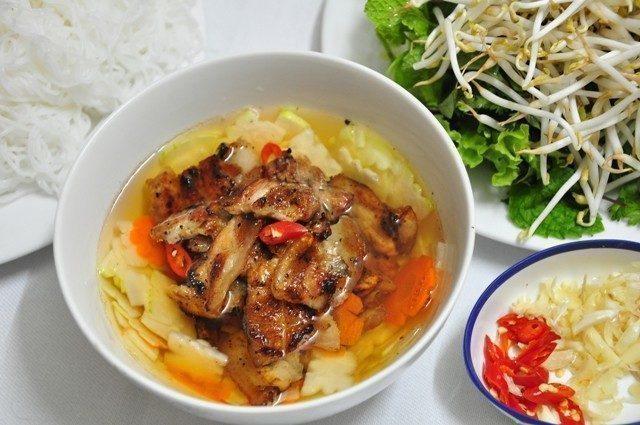 A little bowl carrying Hanoian soul