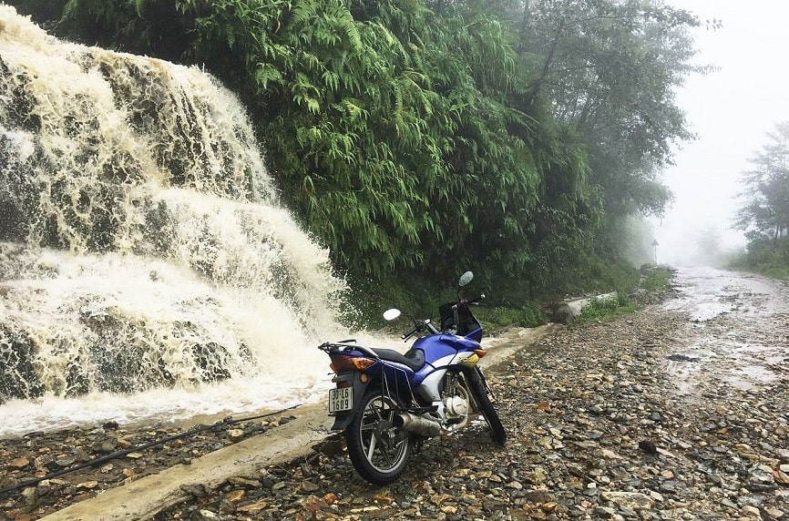 The rain made the road wet. It had mudslides at some parts of our route so we arrived later than we expected