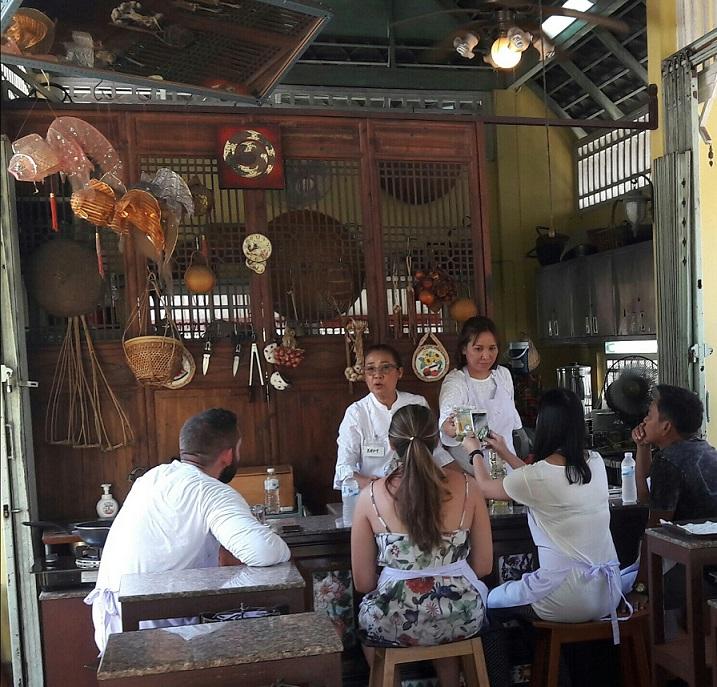 Follow Amita Chef guide to make Thai dishes - Bangkok, Thailand