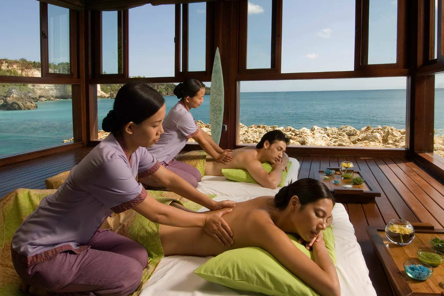 Hideaway at the Spa villas located on the rocks that are surrounded by the sea