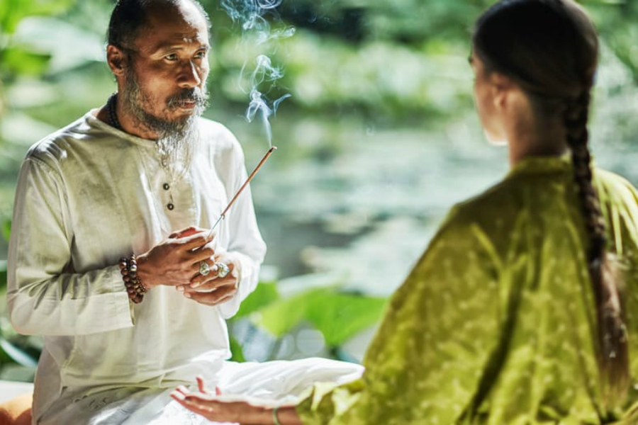 A Balinese spiritual healer will help to find out your inner thoughts