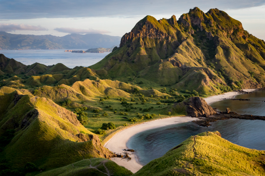 Komodo National Park includes the three larger islands Komodo, Padar and Rinca, and 26 smaller ones. It was declared a UNESCO World Heritage Site in 1991